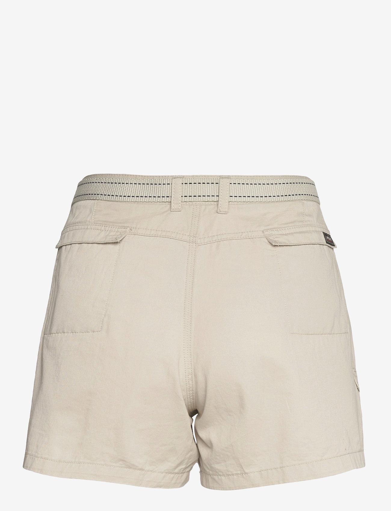 Musto - TACK COTTON SHORT FW - chino shorts - white sand - 1
