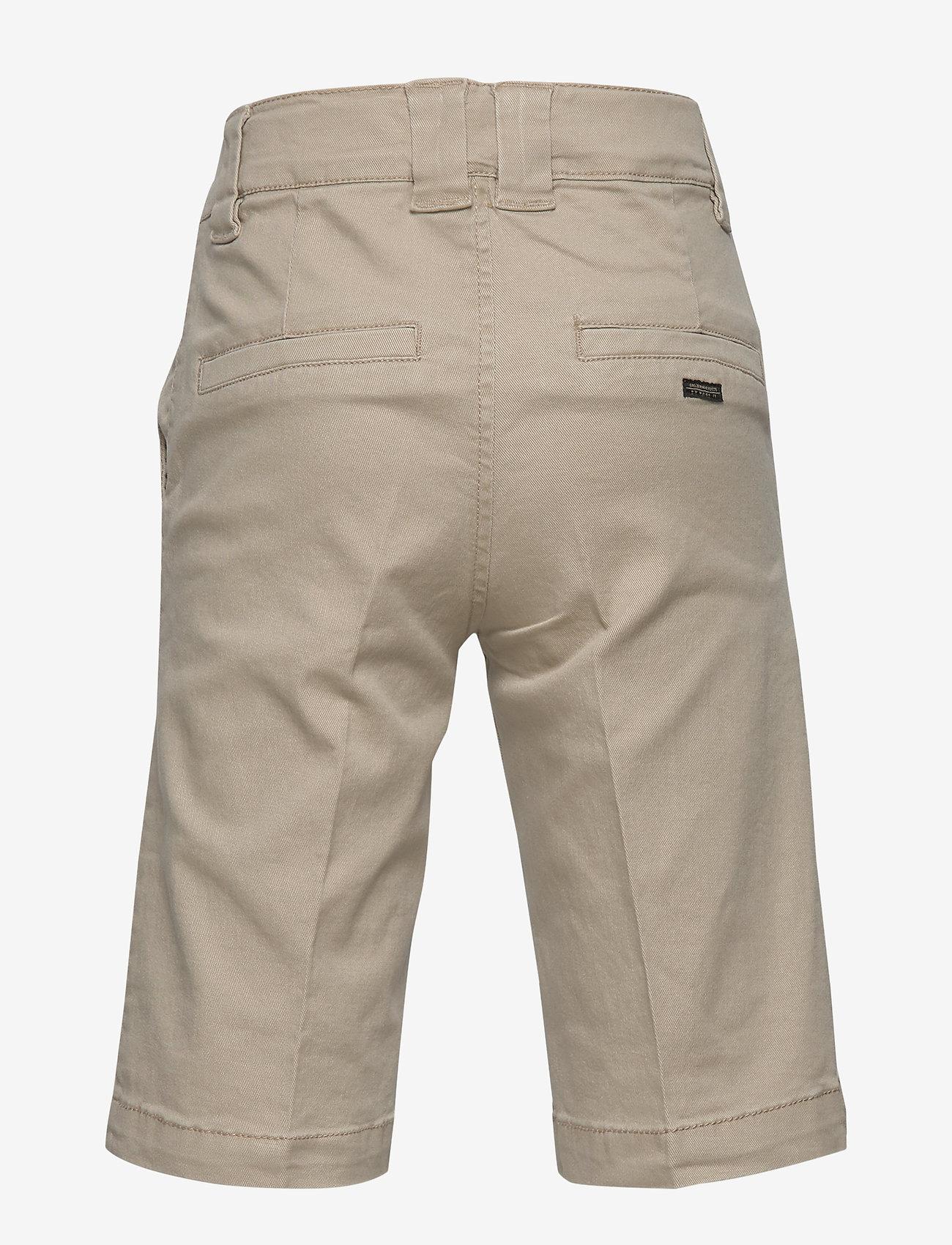 name it - NKMRYAN TWIATICKA SKATER SHORTS CD - shorts - white pepper