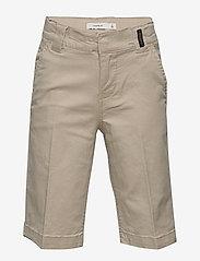 name it - NKMRYAN TWIATICKA SKATER SHORTS CD - shorts - white pepper - 0