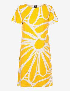 Ladies big shirt, Päivänkakkara - nachtjurken - yellow