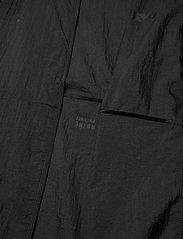 New Balance - MJ01237 - sportsjakker - black - 4