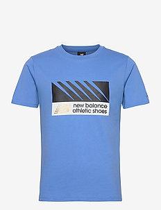 NB ATHLETICS VILLAGE TEE - t-shirts - faded cobalt