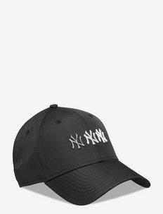 STACK LOGO 9FORTY NEYYAN - czapki - blk