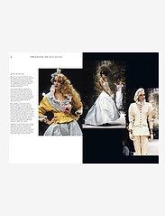 New Mags - Chanel Catwalk - shop etter pris - black - 1