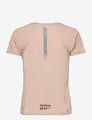 Newline - WOMEN´S GYM TEE - t-shirty - pale peach - 1