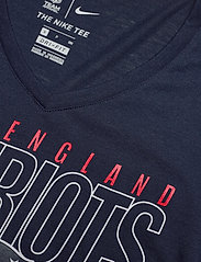 NIKE Fan Gear - New England Patriots Nike Mascot Outline Fashion Tri-Blend - t-skjorter - college navy / white / university red - 2