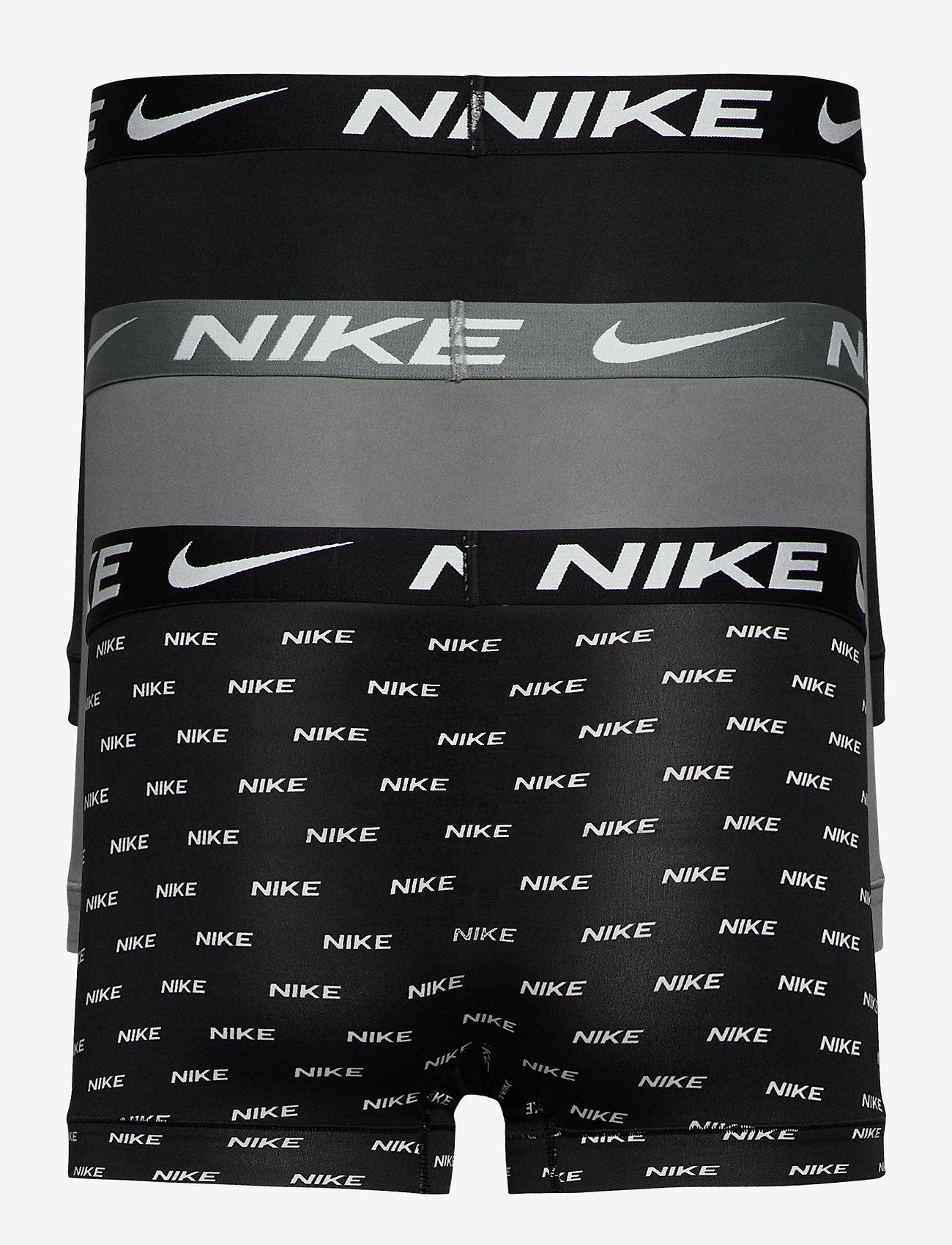 NIKE TRUNK 3PK - Boxershortser NIKE LOGO PRINT/COOL GREY/BLAC - Menn Klær