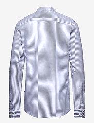 NN07 - Eske 5910 - peruspaitoja - blue stripe - 1