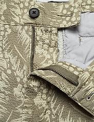 NN07 - Crown Shorts 1382 - casual shorts - green print - 3