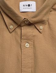 NN07 - Levon Shirt 5159 - peruspaitoja - camel - 2