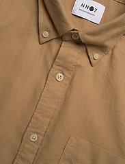 NN07 - Levon Shirt 5159 - peruspaitoja - camel - 3