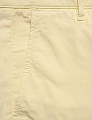 NN07 - Crown Shorts 1004 - chinos shorts - yellow pastel - 2