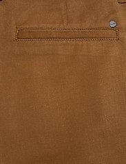 NN07 - Crown Shorts 1363 - short chino - canela brown - 4
