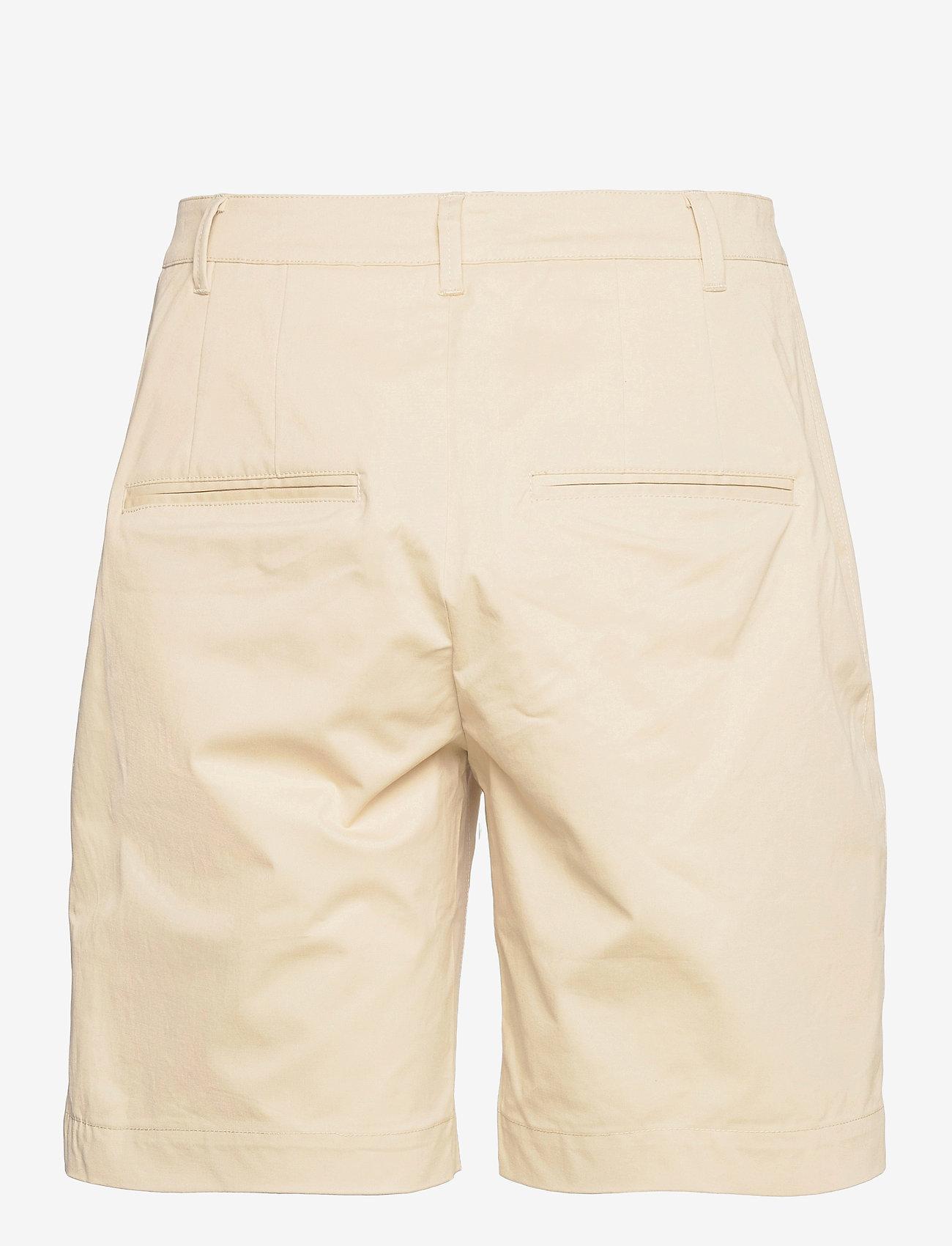 Noa Noa - Shorts - chino shorts - castle wall - 1