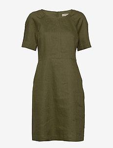 Dress short sleeve - korta klänningar - winter moss