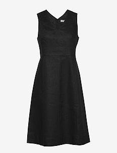 Dress sleeveless - midiklänningar - black