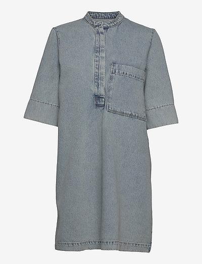 Nolan denim dress - robes d'été - light blue wash