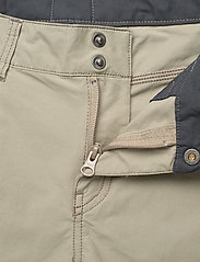 Norrøna - svalbard light cotton Shorts (W) - outdoorshorts - sandstone - 3