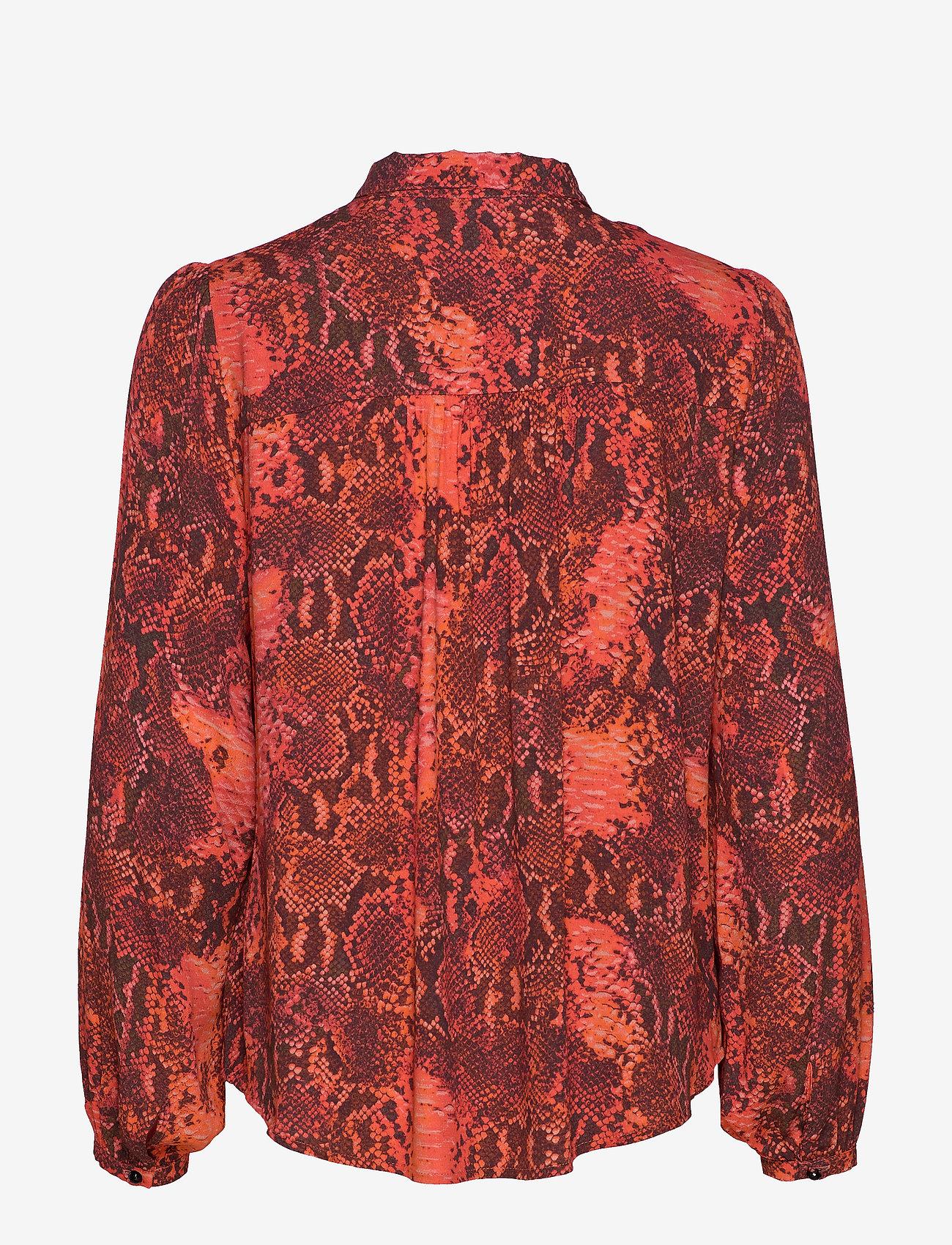 Notes du Nord - Monroe Shirt - långärmade blusar - scarlet snake - 1
