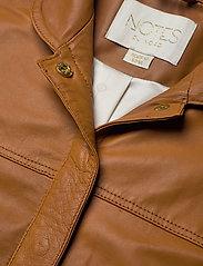 Notes du Nord - Nixon Leather Jumpsuit - kombinezony - cognac - 2