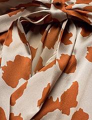 Notes du Nord - Rihanna Leopard Silk Blouse - långärmade blusar - leopard - 3