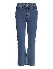 Travis Cropped Jeans - BLUE WASH