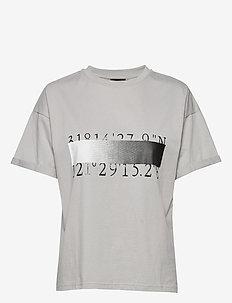 Dash Tee numbers - printed t-shirts - dove grey