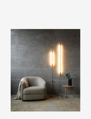 NUAD - Radent Wall Lamp, Brass (700 mm) - vegglamper - brass - 1