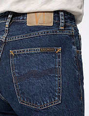 Nudie Jeans - Breezy Britt - straight regular - dark stellar - 5