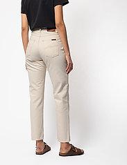 Nudie Jeans - Breezy Britt - straight regular - dusty white - 3