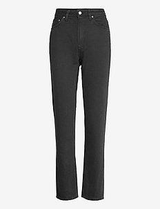 Breezy Britt - straight regular - black worn