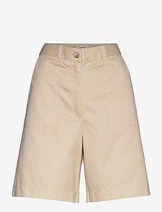 Elton Pant - chino shorts - cloud cream