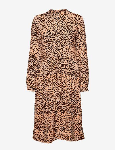 Mila Dress - midi kjoler - almond