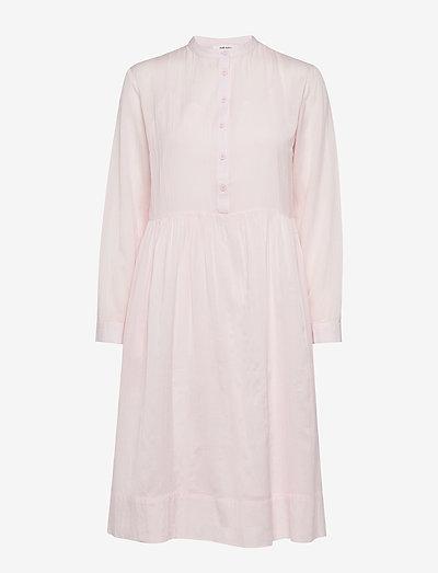 Mila Dress - midi kjoler - barely pink