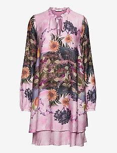 NUBAYLEAH DRESS - midi kjoler - lilac sac