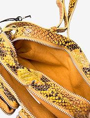 Nunoo - Helena Snake Deluxe - handväskor - yellow - 3