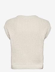 Object - OBJTRISH KNIT WAISTCOAT 114 - knitted tops - sandshell - 1