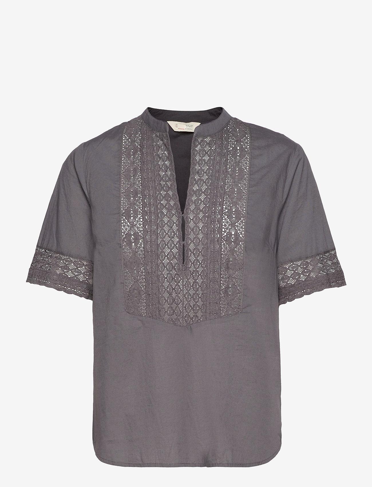 ODD MOLLY - Cassia Blouse - short-sleeved blouses - asphalt - 1