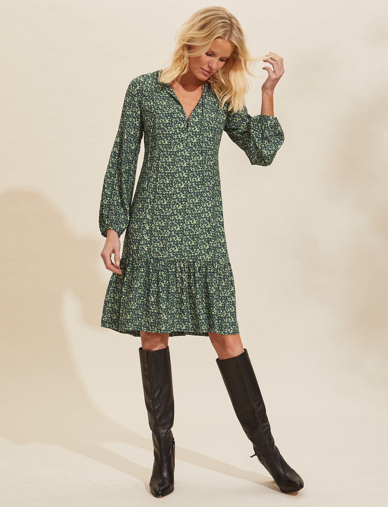 ODD MOLLY - Aria Dress - hverdagskjoler - midnight green - 0