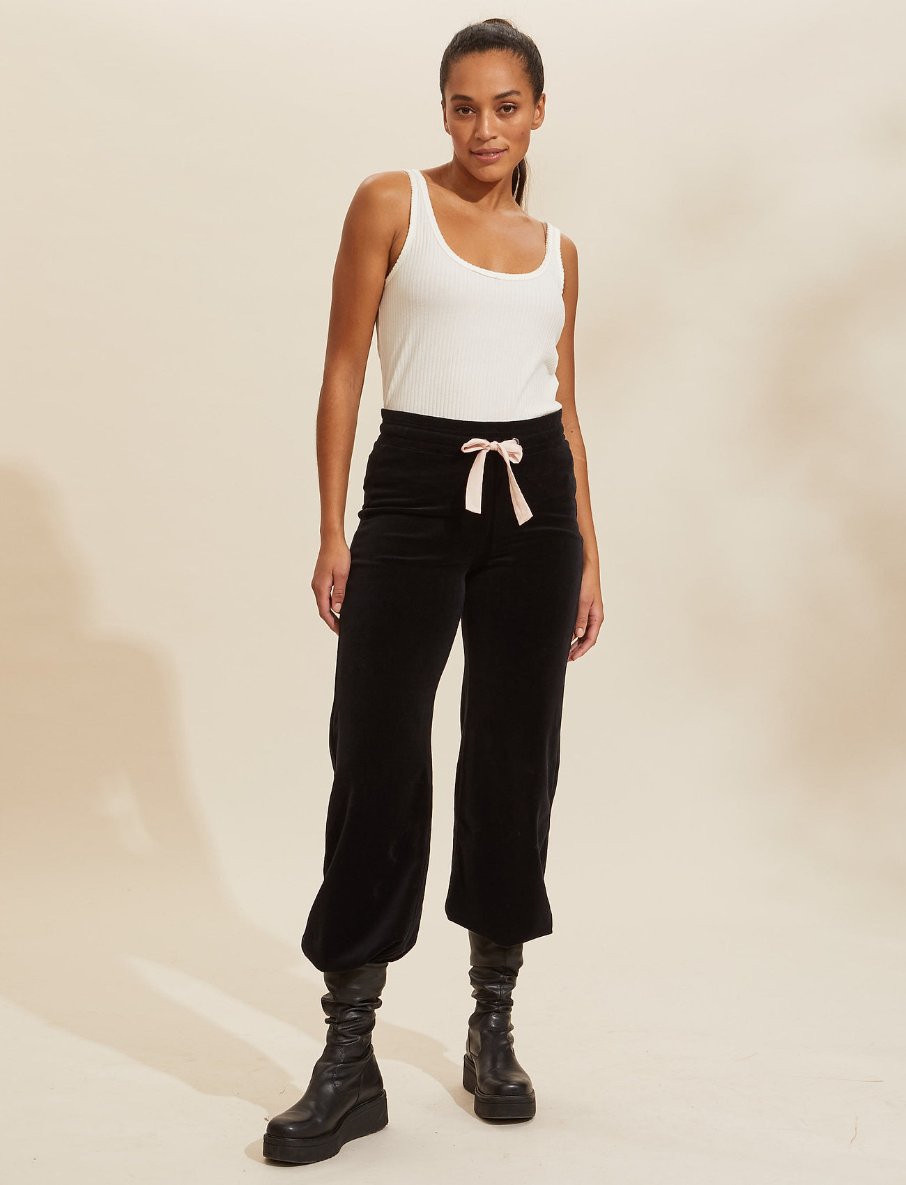 ODD MOLLY - Marion Pants - sweatpants - almost black - 0