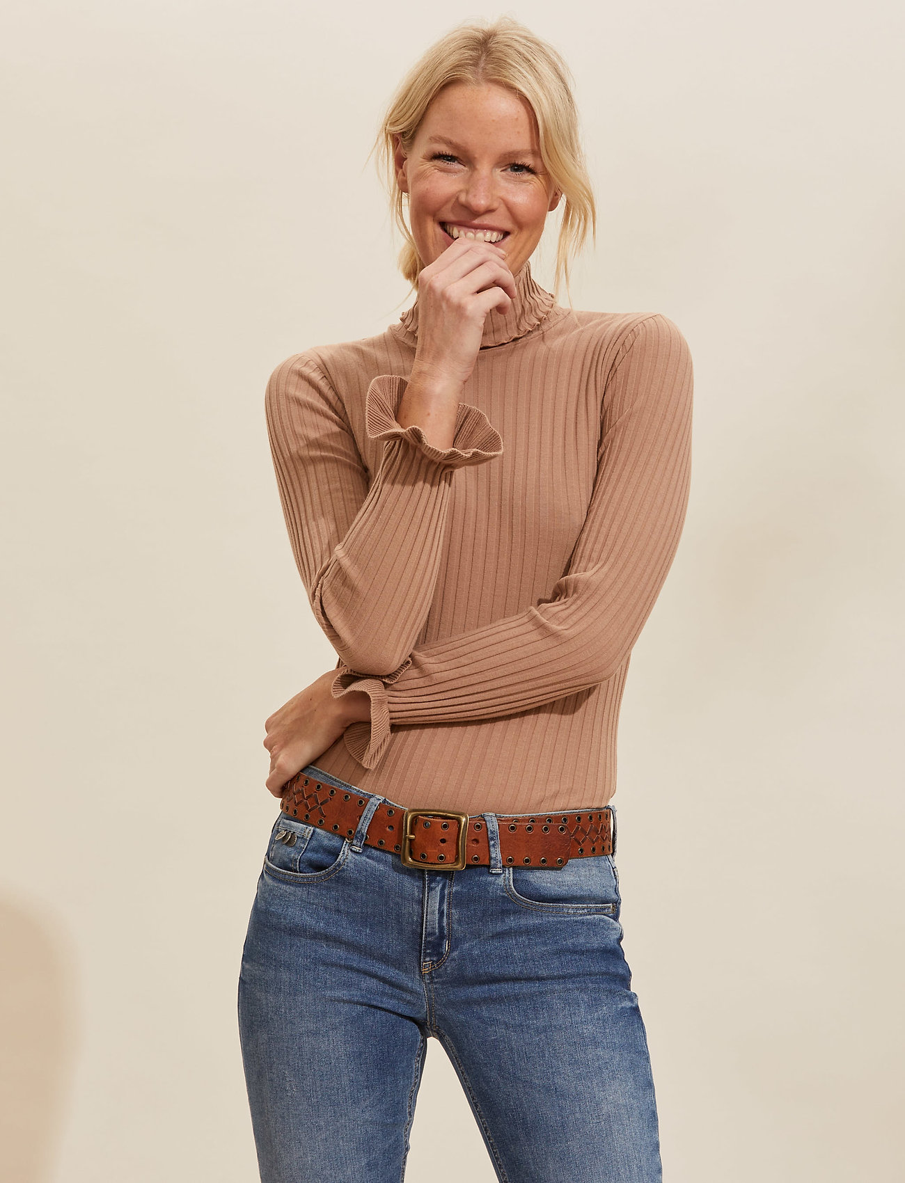 ODD MOLLY - Liza Turtle L/S Top - rullekraver - soft camel - 0