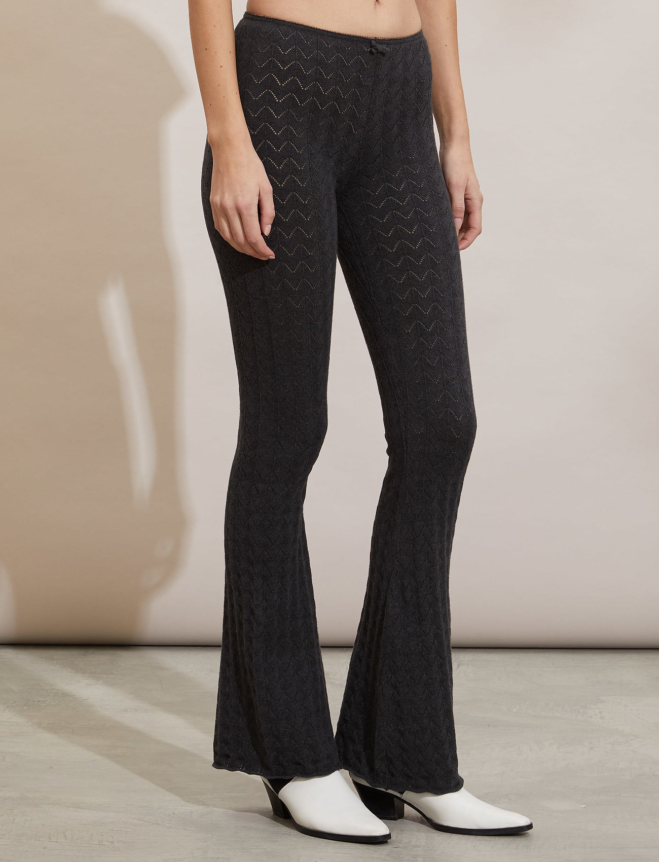 ODD MOLLY - Vicky Trousers - bukser - almost black - 0