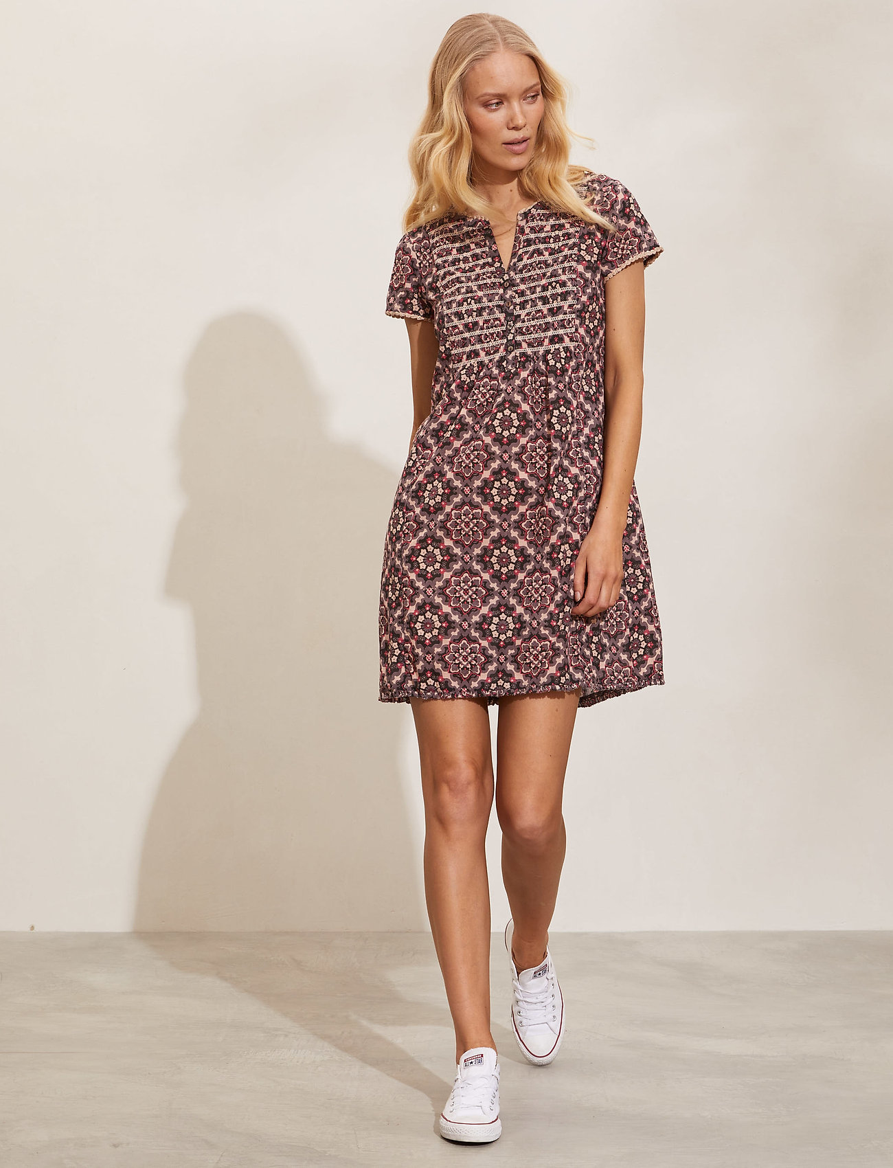 ODD MOLLY - Myrtle Short Dress - sommerkjoler - asphalt - 0