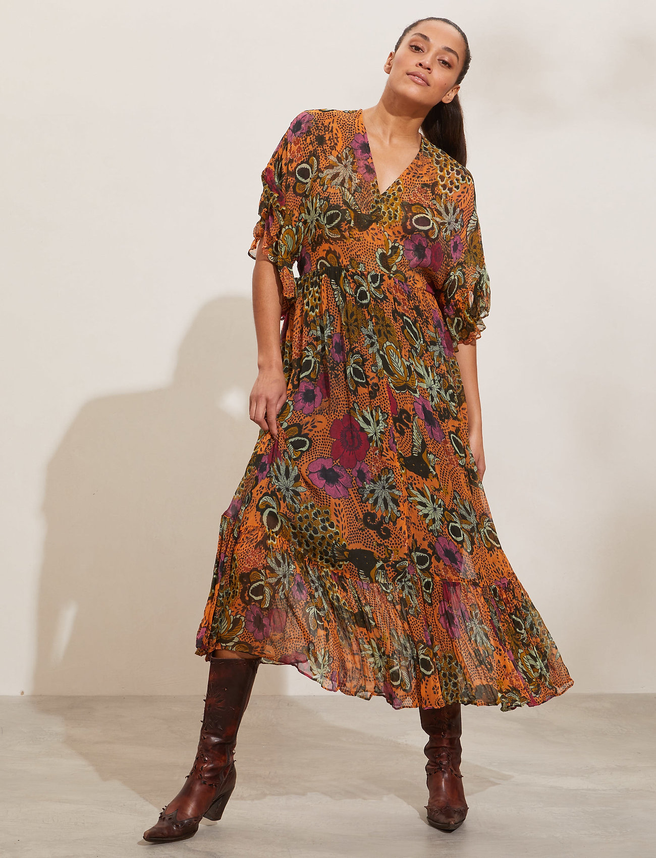 ODD MOLLY - Flora Dress - sommerkjoler - apricot tan - 0