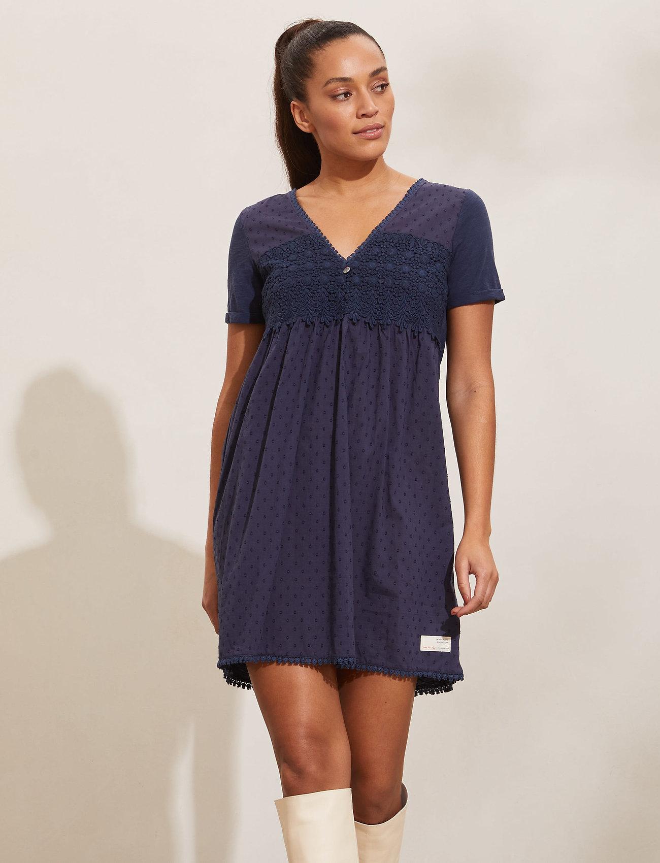 ODD MOLLY - Finest Embroidery Dress - sommerkjoler - dark blue - 0