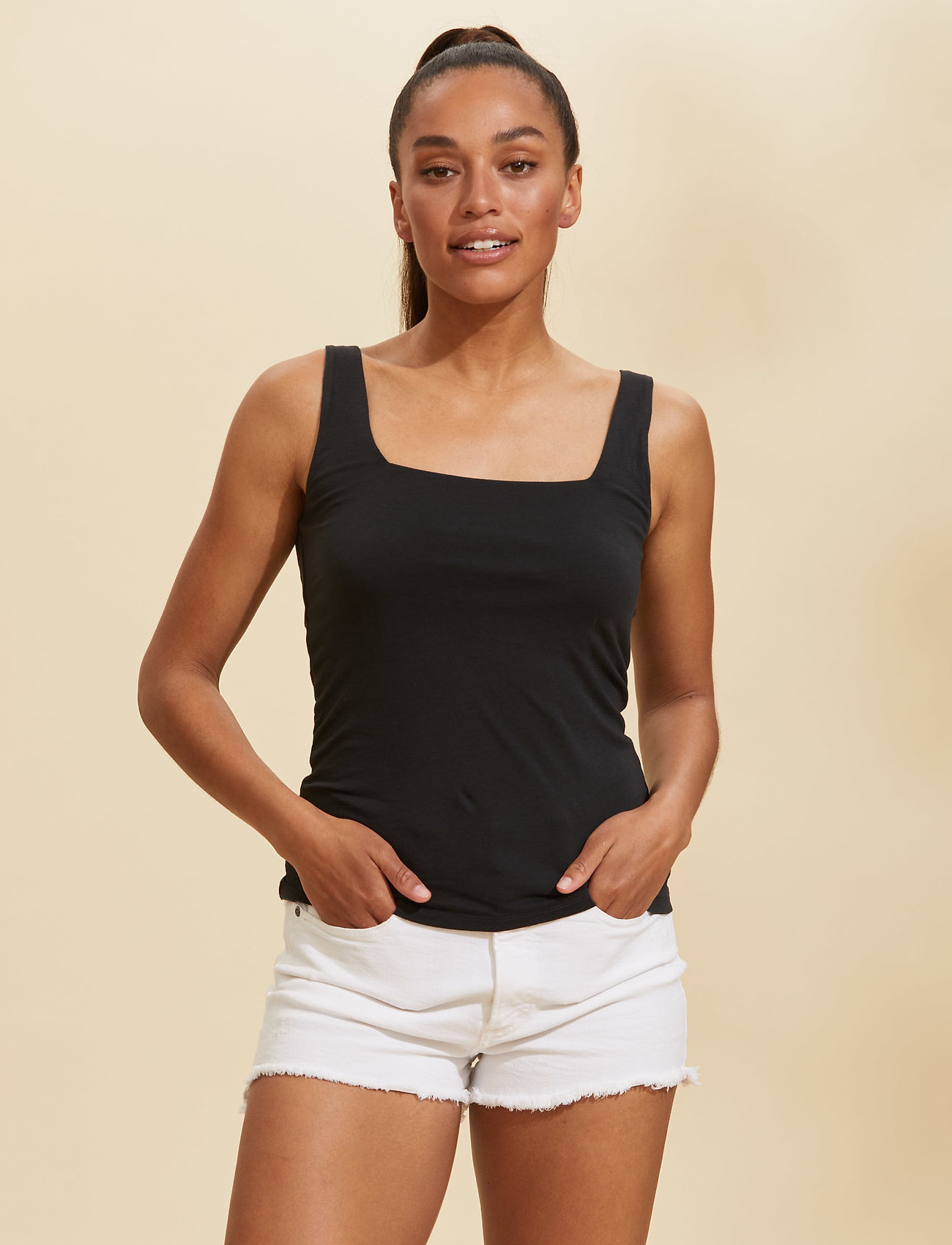 ODD MOLLY - Odd Appealing Tank Top - hauts sans manches - almost black - 0