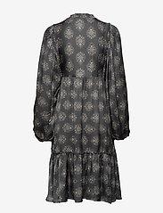 ODD MOLLY - My Medallion Dress - midi kjoler - dark shadow - 2
