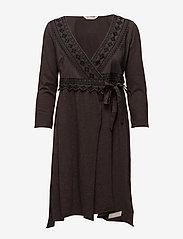 ODD MOLLY - get-a-way l/s dress - slå-om-kjoler - black lava - 0