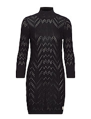 echo mountain dress - BLACK