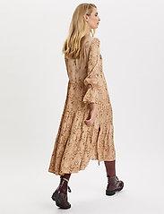 ODD MOLLY - My Kind Of Beautiful Dress - robes midi - light taupe - 10